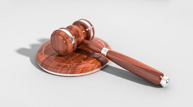Czego musimy oczekiwać od dobrego prawnika?